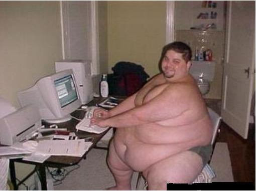 230ff883_really-fat-guy-on-computer1.jpe