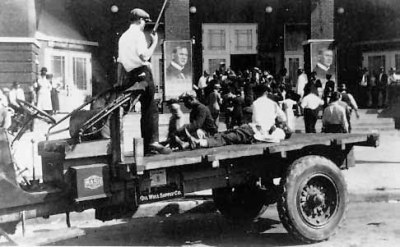 Tulsa-Race-Riot-Black-Wall-Street-Blacks-arrested-on-truck-060121