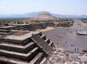 800px-Mexico_SunMoonPyramid