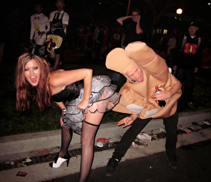 santa-monica-halloween-parade-2011-the-shocker-costume