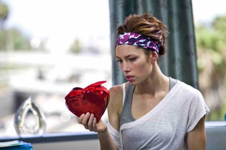 Satire || Girlfriend Will Begrudging Share Candy with Her Boyfriend On Valentine's